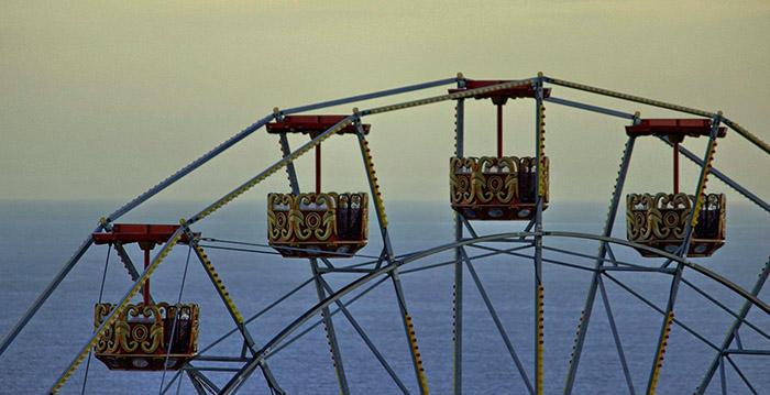 Corrupción financiera: parque de atracciones español recibe mega multas