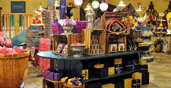 Toverland organiseert speciale koopavond met korting op souvenirs - Looopings.nl