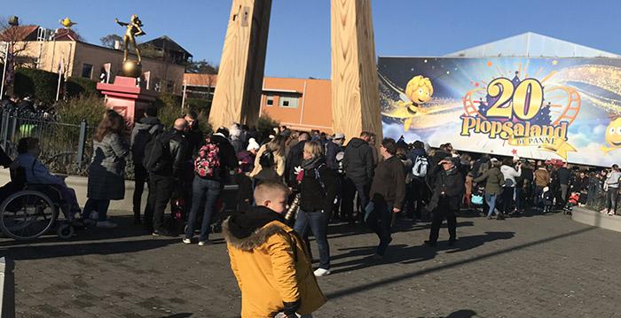 Oeps: Plopsaland verwacht paar duizend bezoekers, maar verwelkomt tienduizend man - Looopings.nl