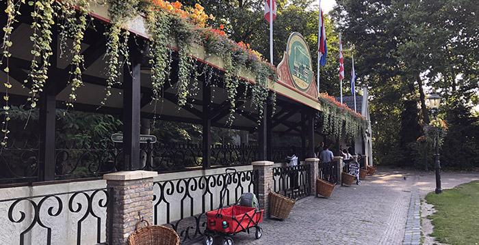 Efteling Vernieuwt Stations Van Nostalgische Stoomtrein Looopings