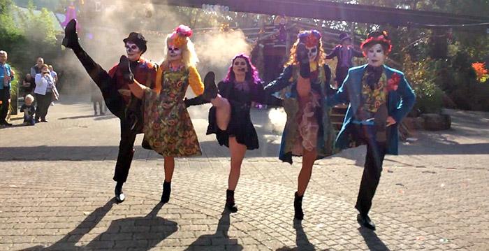 Bobbejaanland Halloween.Video Halloweenshow Bobbejaanland Nu Zonder Disneyland