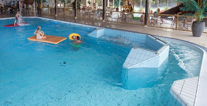 Beekse Bergen Zwembad.Zwembad Beekse Bergen Gesloten Vanwege Chloorlek Looopings