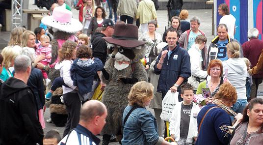 europa Vingeren in het reuzenrad op de Tilburgse kermis